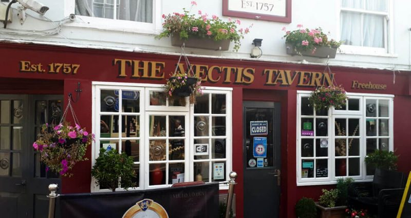vectis-tavern-TN-Victoria-Inns